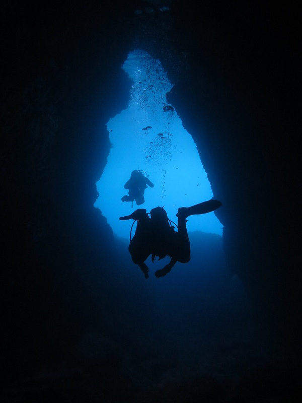 Anchor Bay malta diving