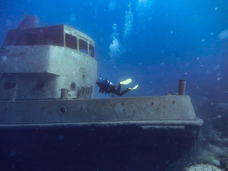 Tug 2 malta diving